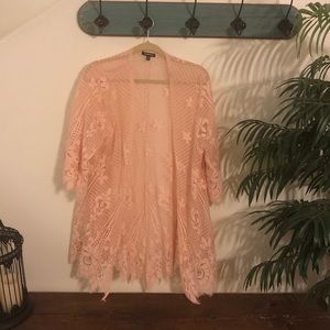 Pink TORRID kimono ☀️👄